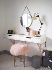 Affordable Home Decoration Ideas With Makeup Vanity That Can Inspire You 29