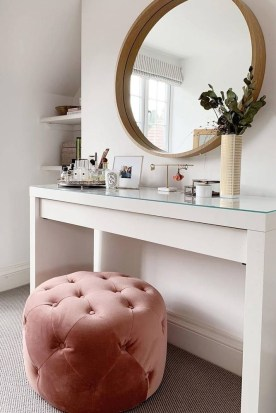 Affordable Home Decoration Ideas With Makeup Vanity That Can Inspire You 36