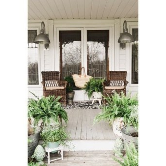 Amazing Classical Terrace Design Ideas To Try This Spring 35