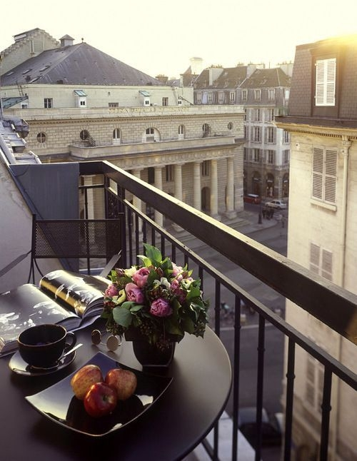 Amazing Classical Terrace Design Ideas To Try This Spring 49