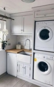 Astonishing Small Laundry Room Design Ideas For Organization To Try 29