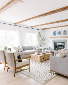 Awesome Living Room Wood Floor Decoration Ideas That You Need To Try 13