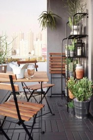 Incredible Small Apartment Balcony Design Ideas On A Budget To Try Asap 37