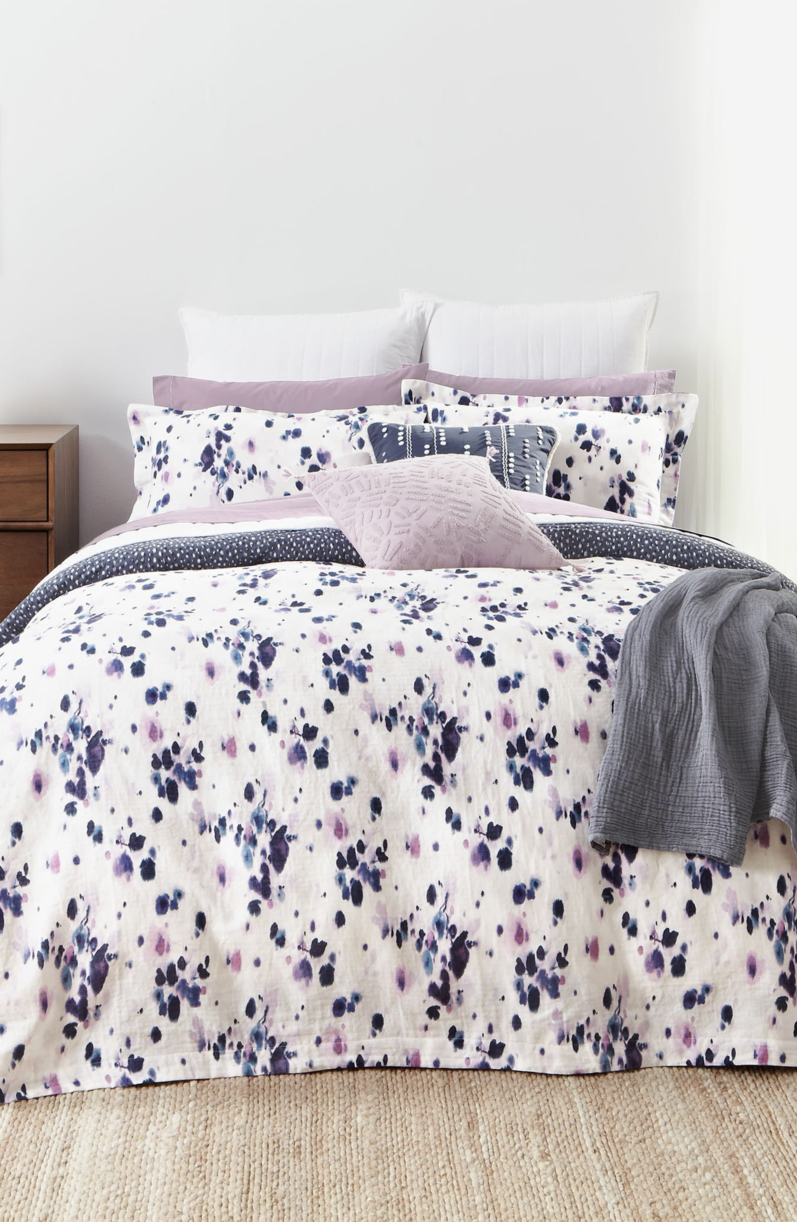 Inexpensive Easter Bedroom Interior Design Ideas That You Need To Know 20