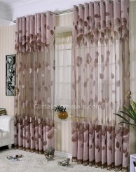 Stunning Bedroom Decoration Ideas With Flower Curtain To Try Right Now 05
