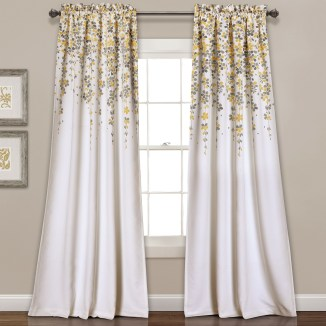 Stunning Bedroom Decoration Ideas With Flower Curtain To Try Right Now 17
