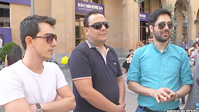 Iranian tourists visiting Yerevan (Photo: RFE/RL)