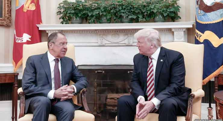 U.S. President Donald Trump (right) and Russian Foreign Minister Sergei Lavrov meet in the Oval Office for talks on May 10.