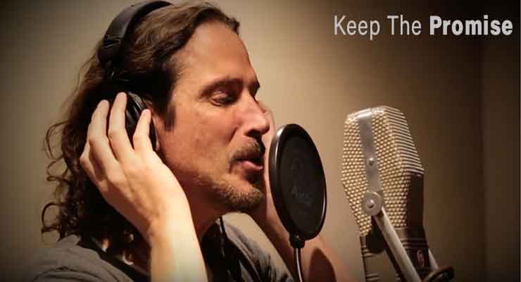 Chris Cornell Sings Grammy-Nominated Song, Vows to 'Keep the Promise