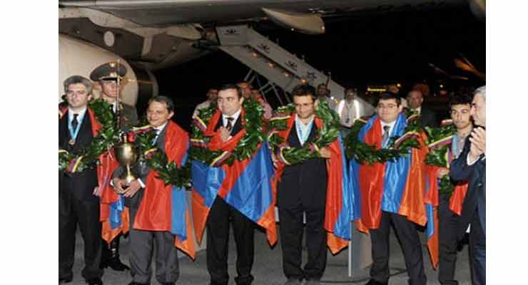Levon Aronian support Serzh Sargsyan