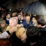 Pashinyan Mobbed By Armenian Supporters In Russia