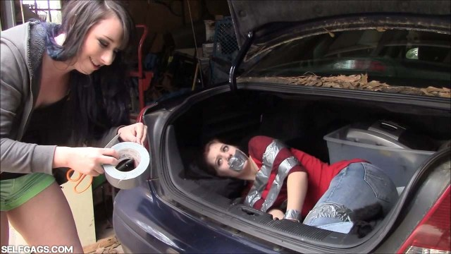 Dakota Charms have little sister Gemi bound and gagged in the trunk