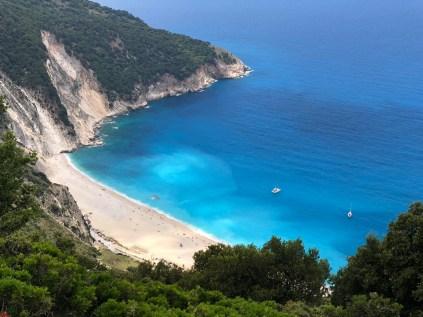 Pláž Myrtos - vyhlášená a známá i z filmu Mandolina kapitána Corelliho