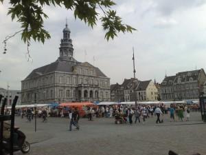 Maastricht Holland: Flohmarkt am Stadthaus