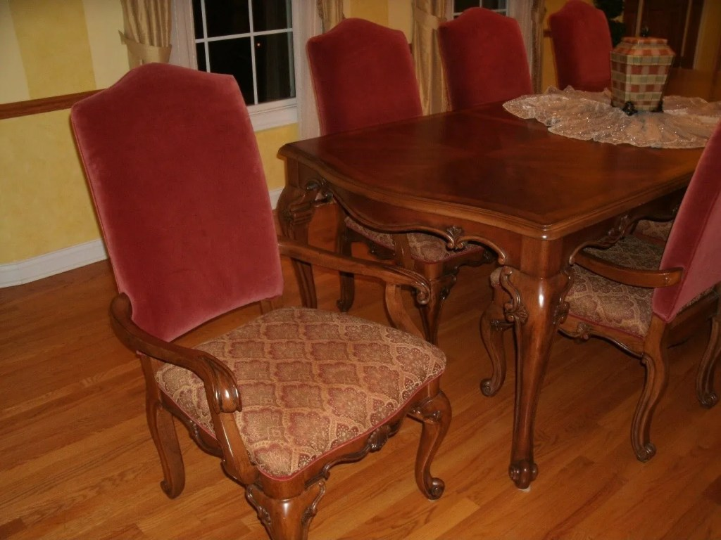 SG Make Your Dining Rooms Special 1