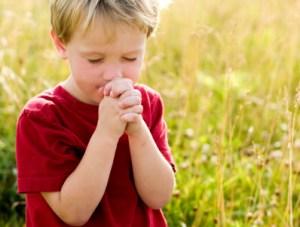 istock_prayingchild
