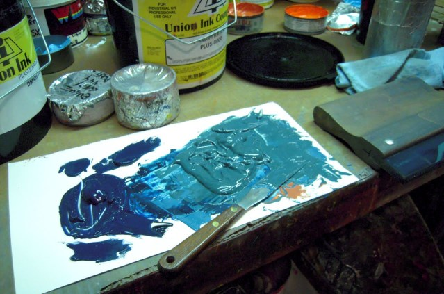 mixing ink on the spot