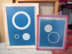 Screen printing screens