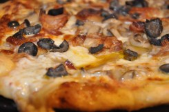 Bacon, Mushrooms & Black Olive