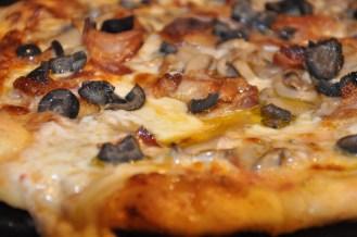 Bacon, Mushrooms & Black Olive