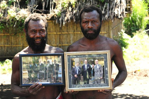 Yaohnanen_Tribesmen_Show_Pictures_of_2007_Visit_with_Prince_Philip