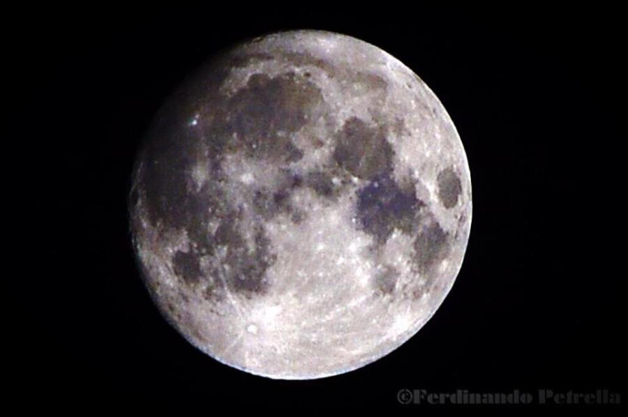 La Luna, ripresa a fuoco diretto da Ferdinando Petrella