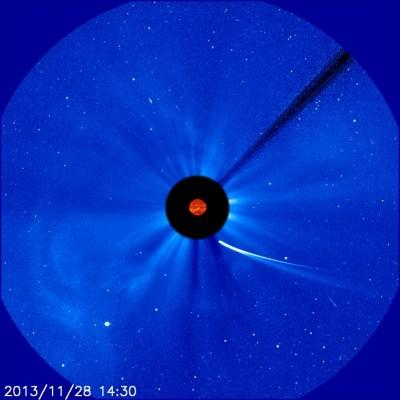 La cometa ISON ripresa il 28 novembre dalla sonda SOHO mentre è prossima al perielio