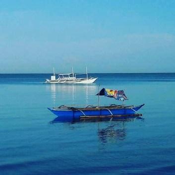 Blue South China Sea, Sabang Beach