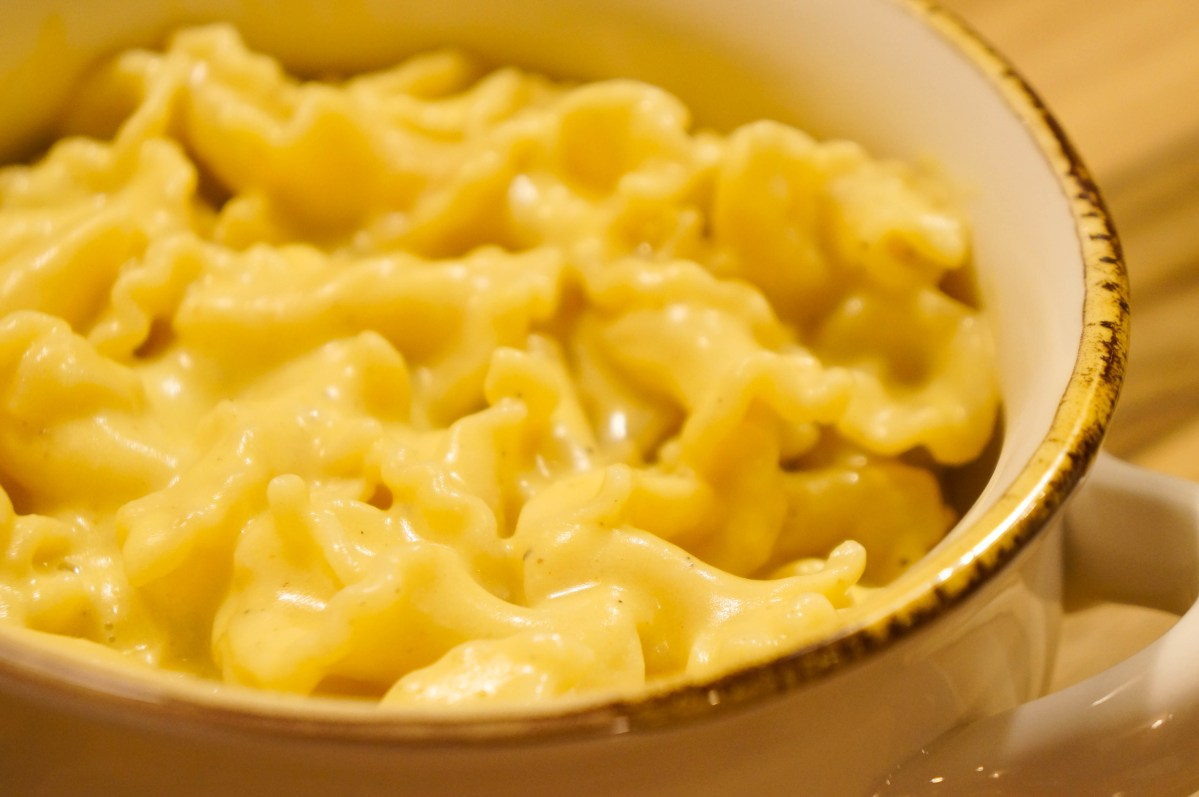 "Creamy Dreamy ""Macaroni & Cheese"""