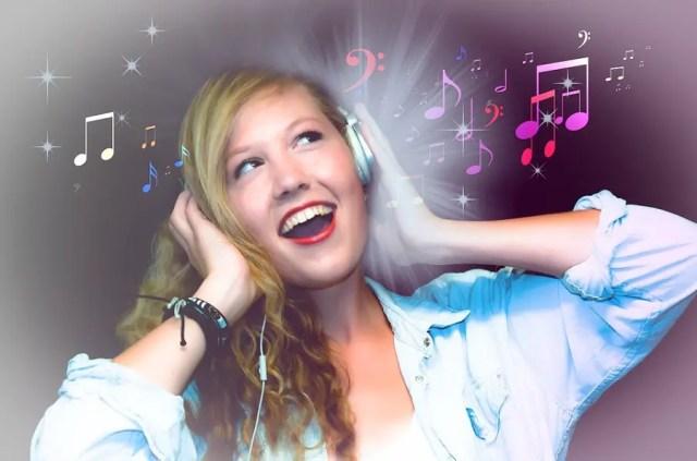 Télécharger De La Musique Gratuitement : Top Sites Et Applications Pour MP3 Gratuits Vous êtes aussi fans de la bonne musique comme moi ? si la réponse à cette question « oui » je suis sûr qu'il vous est aussi un jour arrivé de chercher comment télécharger de la musique gratuitement et rapidement. Nous faisons de ce sujet notre préoccupation dans ce billet, en vous montrant les meilleurs sites de téléchargement de la Musique MP3 gratuitement sans oublier une liste des applications pour trouver de la musique gratuite en ligne et cela légalement. La musique présente des avantages selon plusieurs études psychologiques, en plus d'être un divertissement sain. Il vous sera présenté une liste de sites de téléchargement de musique de tout genre (Slow, hip-hop, Rap, RnB, Soul, Kizomba, Pop, Gospel, Classic et plusieurs autres catégories selon vos goût) car en matière de musique, le goût dépend d'une personne à une autre, comme par exemple moi qui cherche souvent « comment télécharger MP3 Gratuit » mais pas pour n'importe quel genre : le Slow, New Age, Country et quelquefois le Pop. Car je suis personnellement fan de la musique Douce dans la plupart des cas. La musique est au rendez-vous dans plusieurs domaines de la vie, car elle est utilisée même dans les églises et/ou mosquées par les croyants pour louer et adorer Dieu, Dans les boîtes de nuit, sans parler des cérémonies de fêtes pour les mariages, anniversaires, etc. Voilà pourquoi je me suis dit que je devais vous montrer comment Télécharger de la musique Gratuitement lorsque vous êtes sur internet. Du moins les méthodes que moi j'utilise pour trouver des MP3 Gratuits car il n'y a pas d'ambiance ou de divertissement sans musique. Sites Web Pour Télécharger De La Musique Gratuitement Pour trouver des MP3 gratuits il est possible de passer par les moteurs de recherche et trouver une musique gratuitement c'est-à-dire sans rien payer c'est qui est la plupart de fois illégal mais que faire quand on a besoin d'une bonne chanso