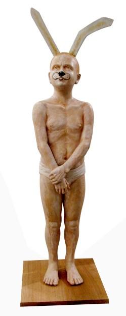 Antonio López, Conejo, 2014, resina y madera, 100 x 30 x 30 cm.