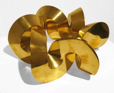 Sebastian, Variación trivial, 2014, bronce pulido, 13 x 28.5 x 28.5 cm