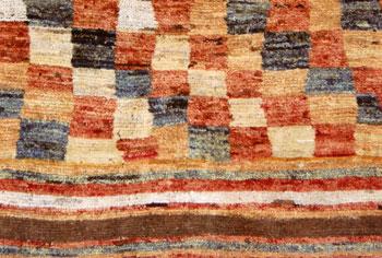 GABBEH 遊牧民の草木染絨毯