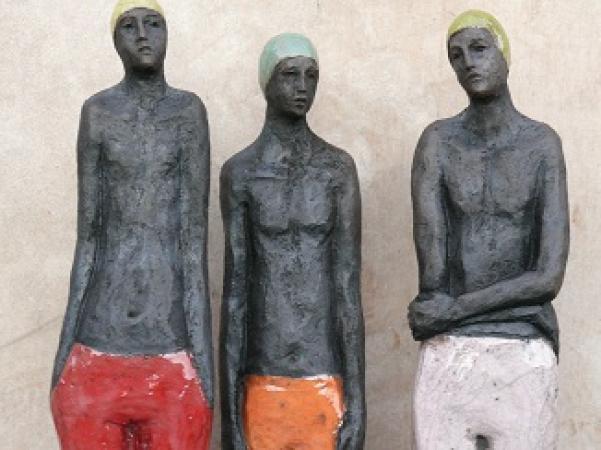 Sylvie du PLESSIS - détail des trois petits nageurs - raku- 2012