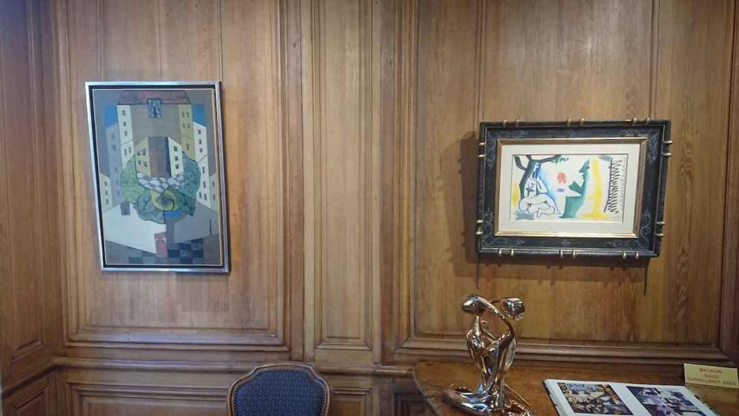 2 . Léopold SURVAGE | 73 x 50 cm - Pablo PICASSO | 26,9 x 42,1 cm