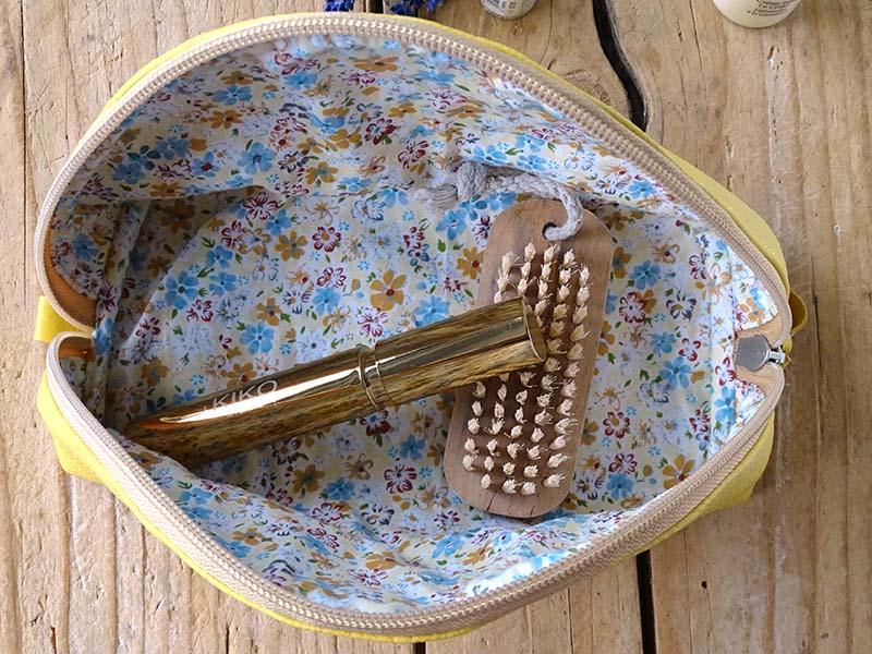Usnjena toaletna torbica_rumena