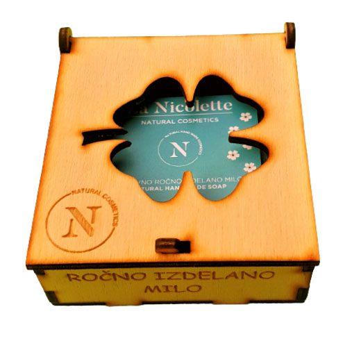 Darilni set naravno milo v leseni škatlici, La Nicolette @galerijakreativnih.si set naravno milo v leseni škatlici