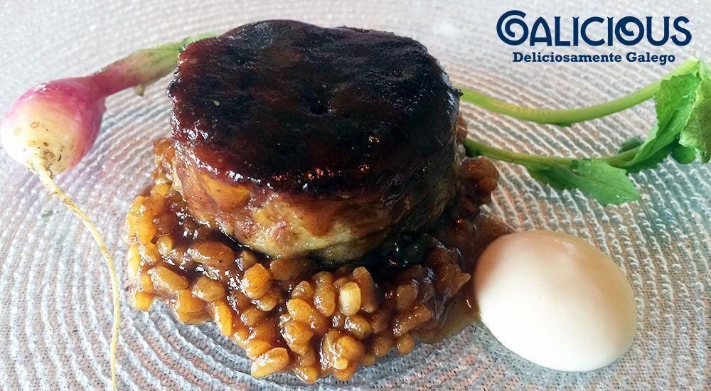 Cuellos de Galo Celta rustidos, su arroz trabado y rabano picante ( Restaurante Alborada | Iván Domínguez )
