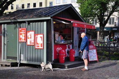 window shopping in sweden-10