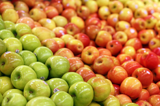 apples-in-the-supermarket