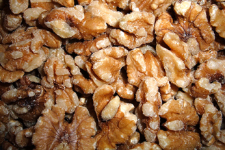 Shelled_walnuts
