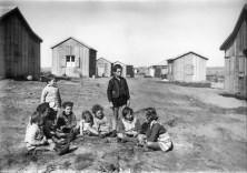 ילדים יושבים במעגל, עמק יזרעאל/שמואל יוסף שוייג/1935