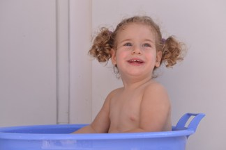 עלמיק בת שנתיים