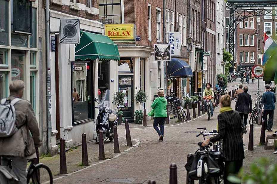 coffee-shop-amsterdam-1200