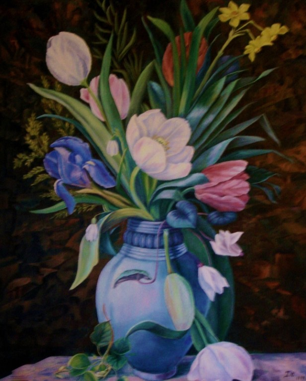 Tulipaner Irise m.m. i blå vase