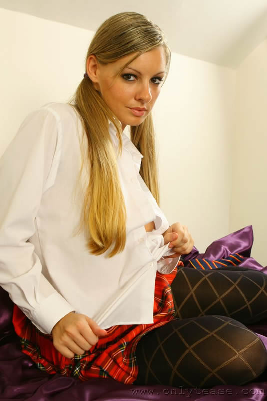 In Patterned Pantyhose In The 34