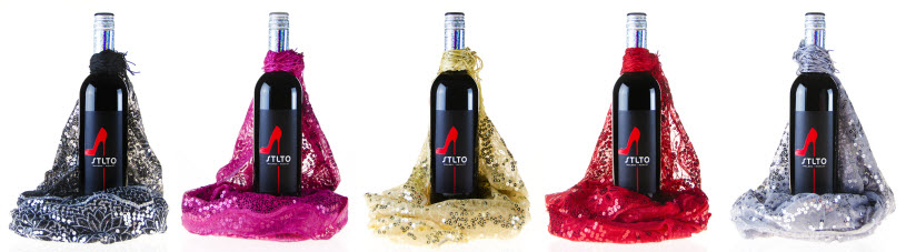 Stlto Red with matching scarves