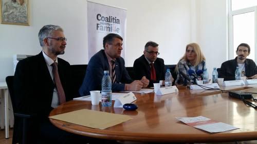 Imagine de la conferința de presă din 31 martie