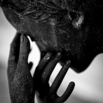Crying Statue Metarie Cemetery New Orleans Louisiana 2017