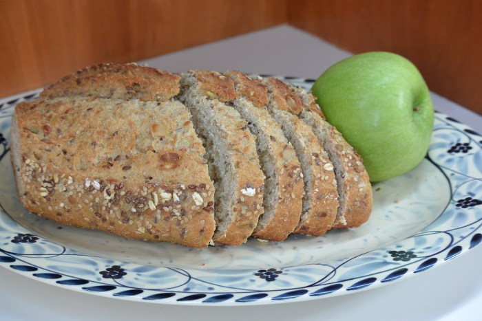 bread and apple